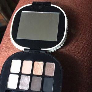 MAC limited edition keepsakes eyeshadow palette
